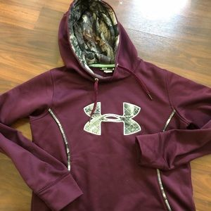 Women's camo under armour hoodie